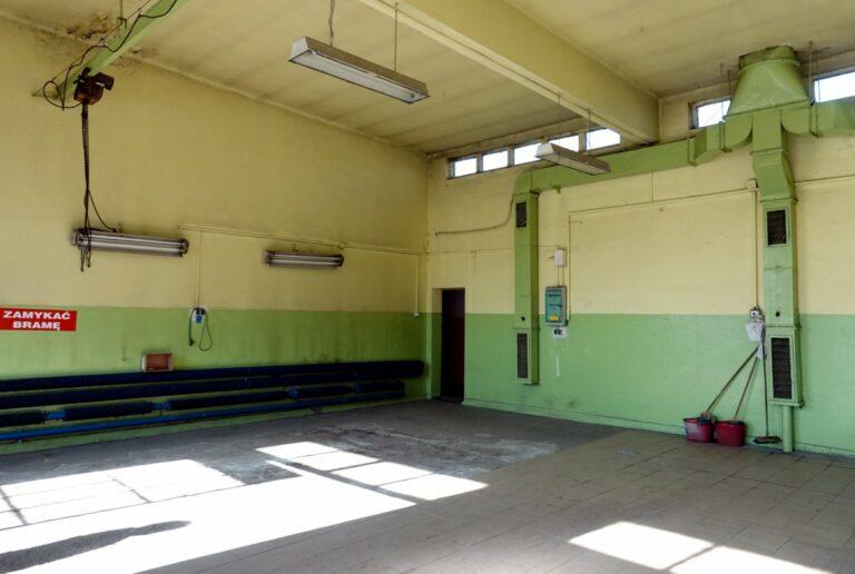 Remont w sądeckim pogotowiu. Garaże potrzebują odnowy