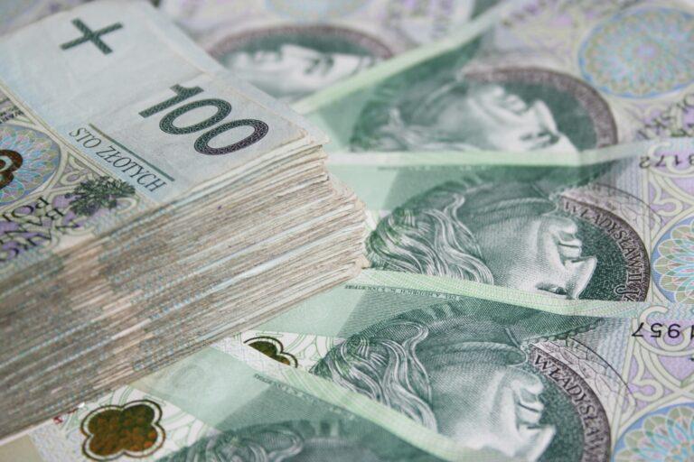Znaleziono pieniądze. Można je odebrać w Komendzie Miejskiej Policji w Nowym Sączu