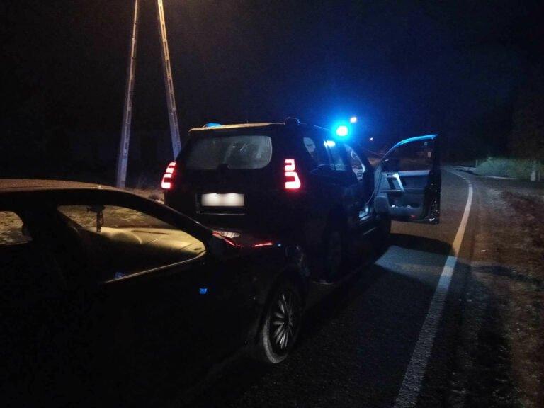 Stróże. 4 promile alkoholu, pościg, a w tle rozbity policyjny radiowóz. Brawurowa akcja mundurowych