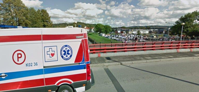 39-latek skoczył z mostu do rzeki Ropa. Na pomoc ruszyli świadkowie tragicznego zdarzenia
