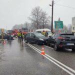 Nowy Sącz, ul. Lwowska: trzy auta rozbite, jedna osoba w szpitalu
