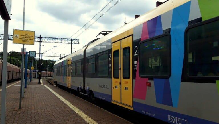 Utrudnienia dla podróżujących pociągami. Uruchomiono komunikację zastępczą