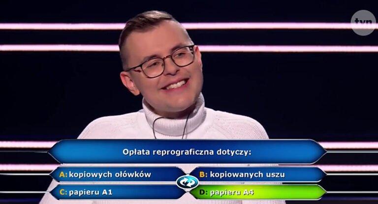 """Student z Ropicy Polskiej Dominik Szura wygrał w ,,Milionerach"""" 75 tysięcy złotych"""