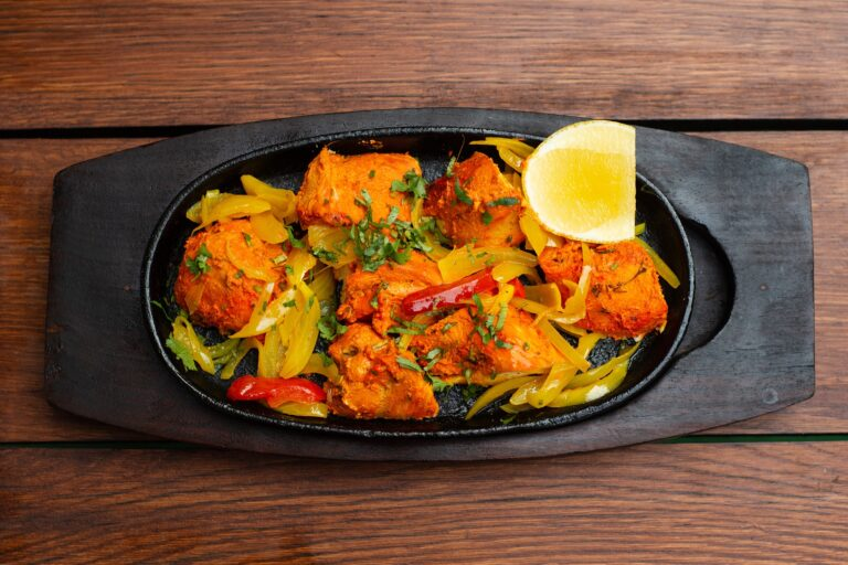 Indyjska restauracja w Nowym Sączu w tarapatach. Otwarto ją w epidemii, ale bynajmniej nie wirus jest przyczyną kłopotów…