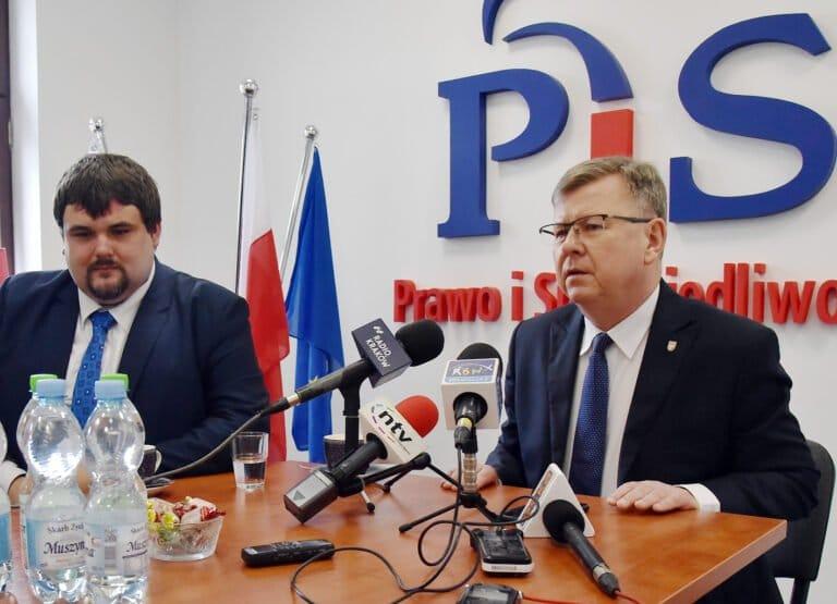 """W. Kozłowski: będzie """"Sądeczanka"""" i pociąg przez Piekiełko"""