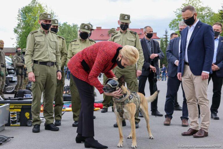 Agata Kornhauser – Duda: Straż Graniczna jest kobietą! Wizyta pary prezydenckiej w Nowym Sączu [ZDJĘCIA]