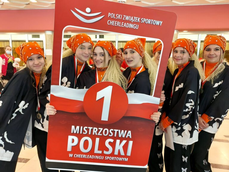 Stary Sącz dumny z Cheerleaderki – mistrzyni Polski. Reprezentacja Sądecczyzny spisała się znakomicie