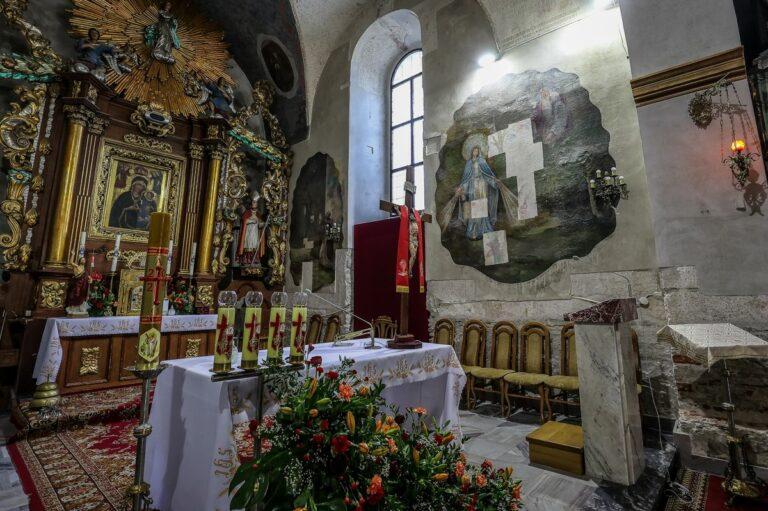 110 tys. zł dla kościoła w Jazowsku. Konserwatorzy odkrywają barokowe freski ukryte pod późniejszymi malowidłami