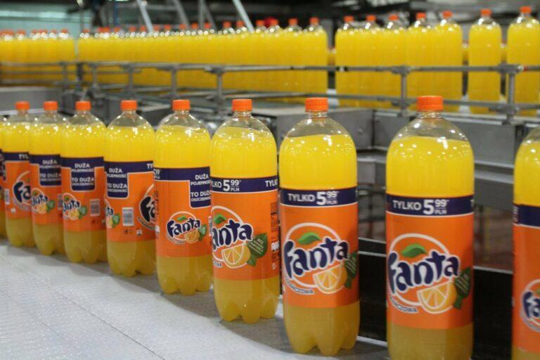 Od wprowadzenia opłaty cukrowej ceny napojów gazowanych wzrosły o 32 proc.