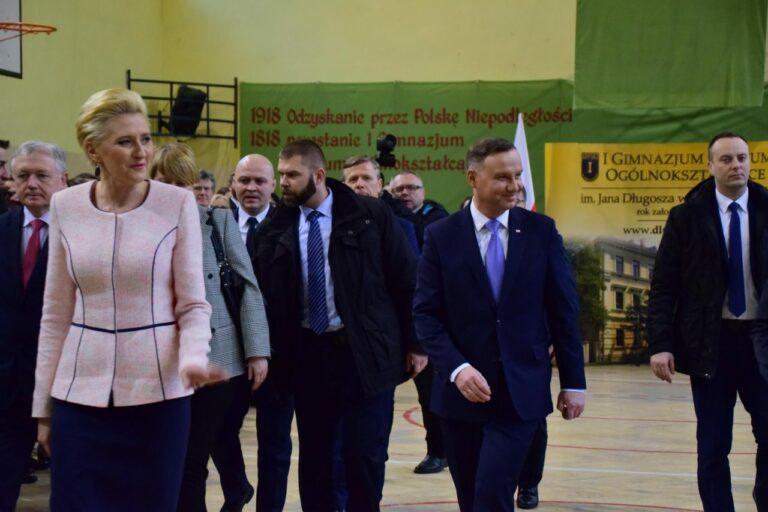 Prezydent Andrzej Duda wraz z małżonką odwiedzą Nowy Sącz