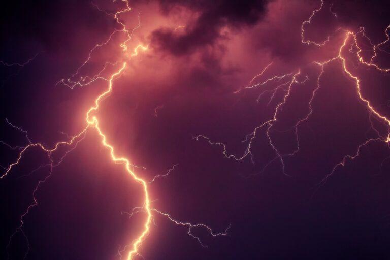 Nadciągają burze z gradem. Wydano ostrzeżenie