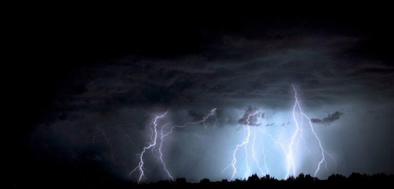 Po raz kolejny pojawiło się ostrzeżenie o burzach