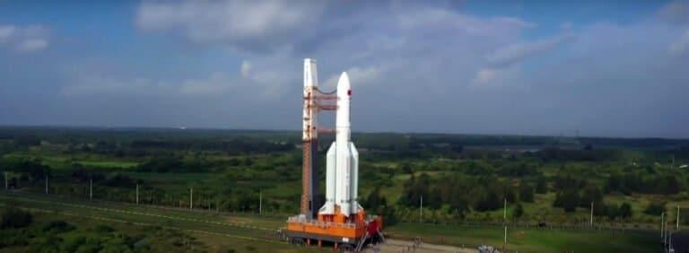 190 kilometrów nad Ziemią koziołkuje 20 ton aluminium. Gdzie i kiedy spadnie? Nie wiadomo