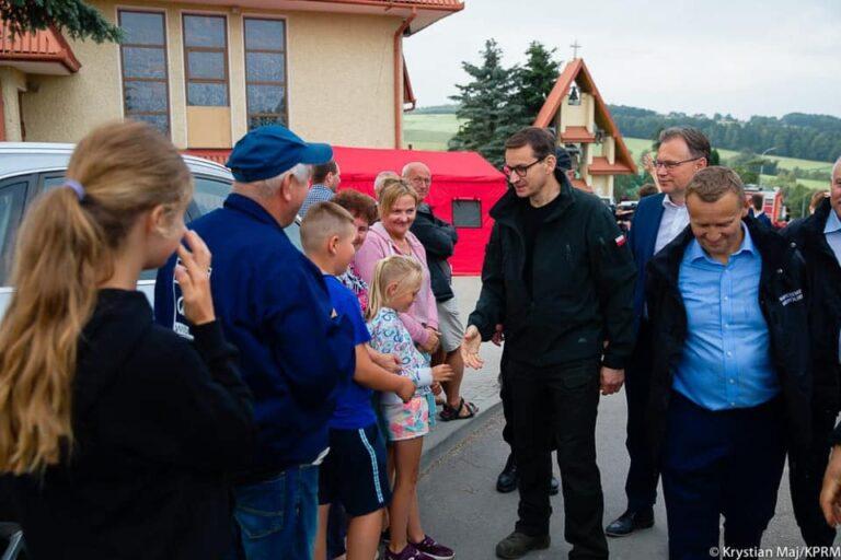 Premier Morawiecki w Librantowej. Rodziny otrzymają do 200 tysięcy złotych na odbudowę domów