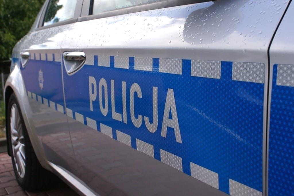 policja, radiowóz, koniec poszukiwań 32-latka z Nawojowej