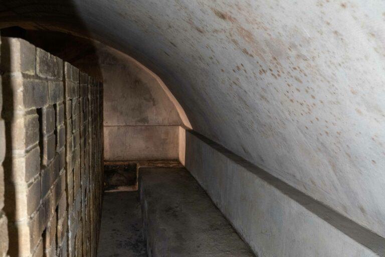 Zapomniana krypta pod podłogą sądeckiej świątyni