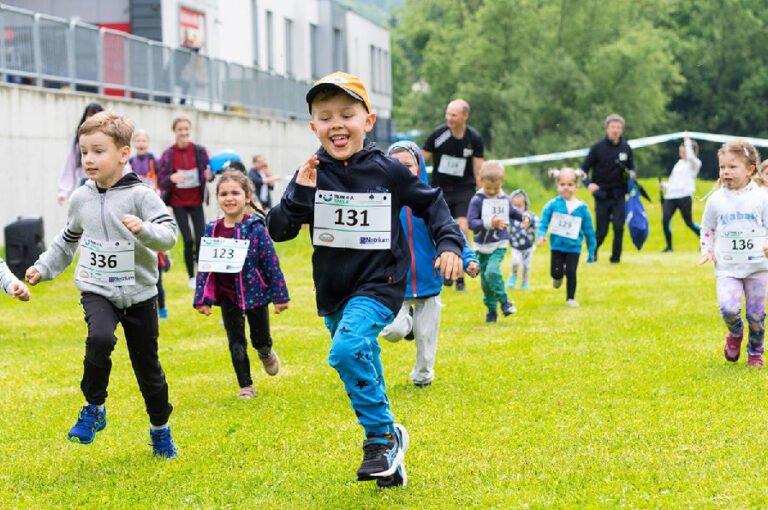 50.000 zł dla Marysi Zwolińskiej w ramach 8. edycji Run 4 a Smile, czyli biegu po uśmiech, organizowanej przez społeczność akademicką WSB-NLU