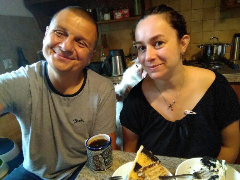 Dlaczego Fecko zjada środek tortu, a żonie oddaje masę?