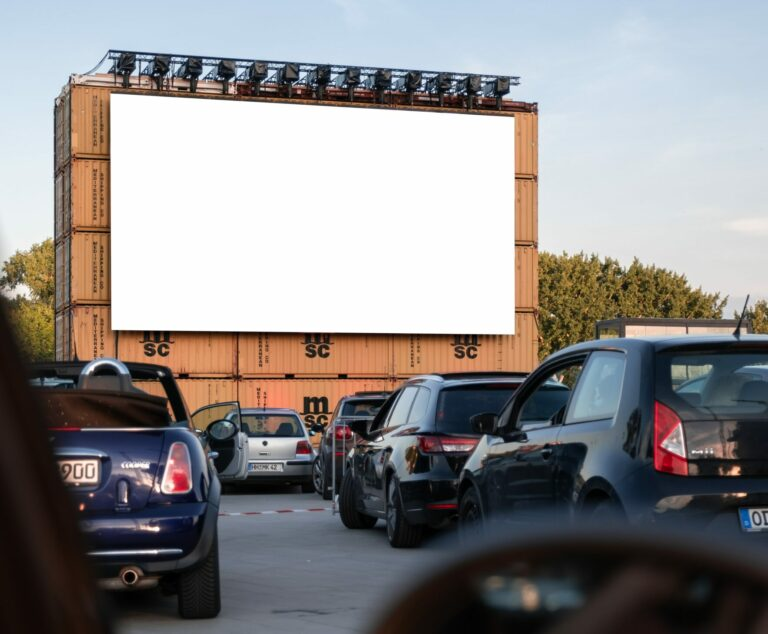 Nowy Sącz. Wraca kino samochodowe! Pierwszy seans 17 czerwca