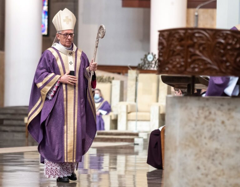 Arcybiskup Skworc złożył rezygnację z członkostwa w Radzie Stałej KEP. W tle sprawa nadużyć wobec dzieci