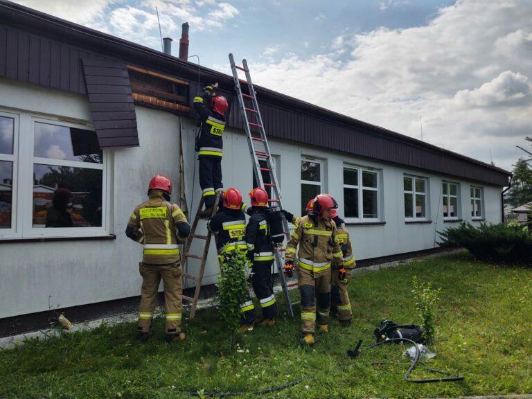 Nowy Sącz. W budynku szkoły wybuchł pożar