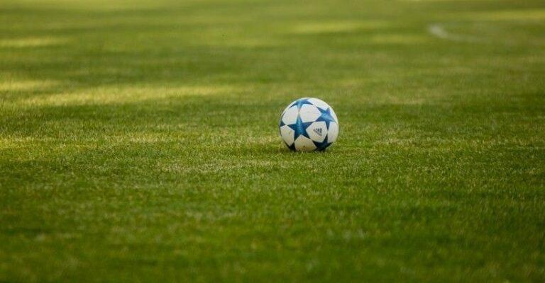 Piłkarskie rozgrywki przed rewolucją. Już wiadomo jakie będą zasady awansów i spadków.