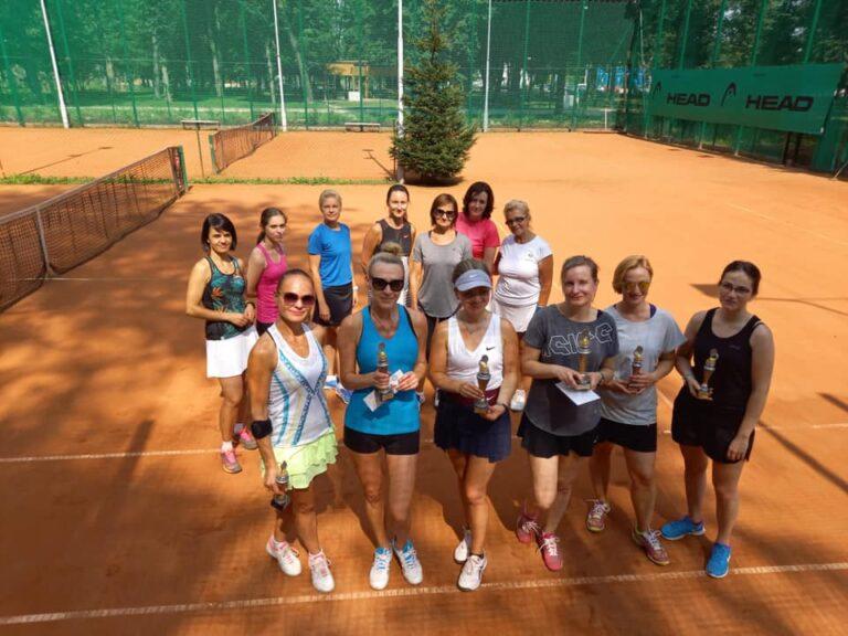 Kobiety na sądeckich kortach tenisowych!