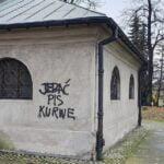 Stary Cmentarz Nowy Sącz, wulgarne napisy (1)