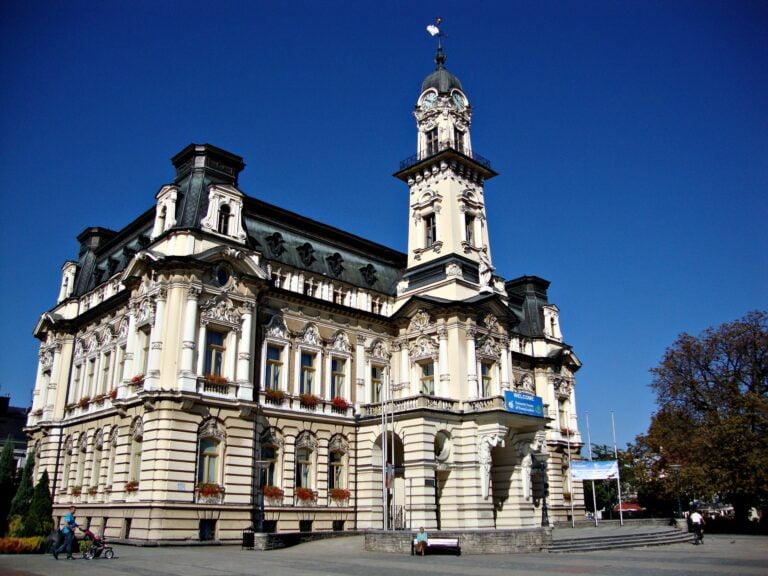 Nowy Sącz z jedną z najniższych stóp bezrobocia w Polsce. Gorzej jest w powiecie nowosądeckim