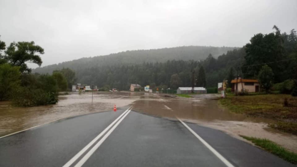 zalana droga krajowa z Nowego Sącza do Brzeska