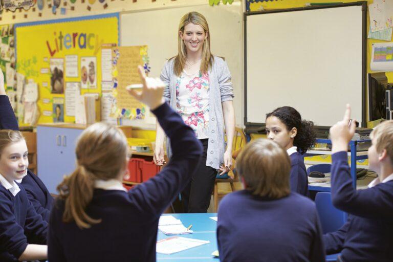 Szczepienie uczniów w połowie września. Ministerstwo rozesłało instrukcje do szkół