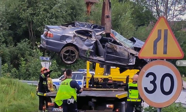 Krużlowa Wyżna. Nie żyje 21-latek. Samochód z ciałem znaleziono rano w rzece