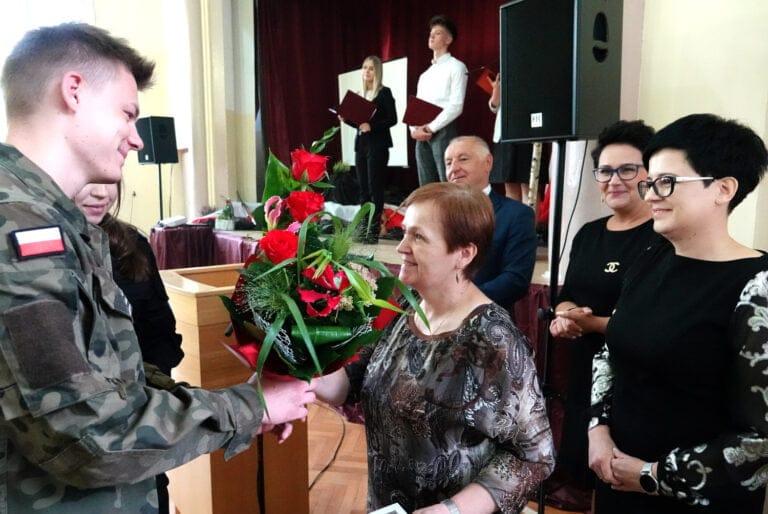 Marcinkowice. Coś się kończy, coś zaczyna… Podziękowania dla Marii Mróz za 42 lata pracy!