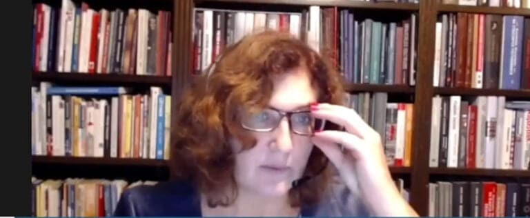 """Radni nie chcą obradować online. Chcą za to zmian """"na stołkach"""". Barbara Jurowicz: czy to skok na kasę?"""