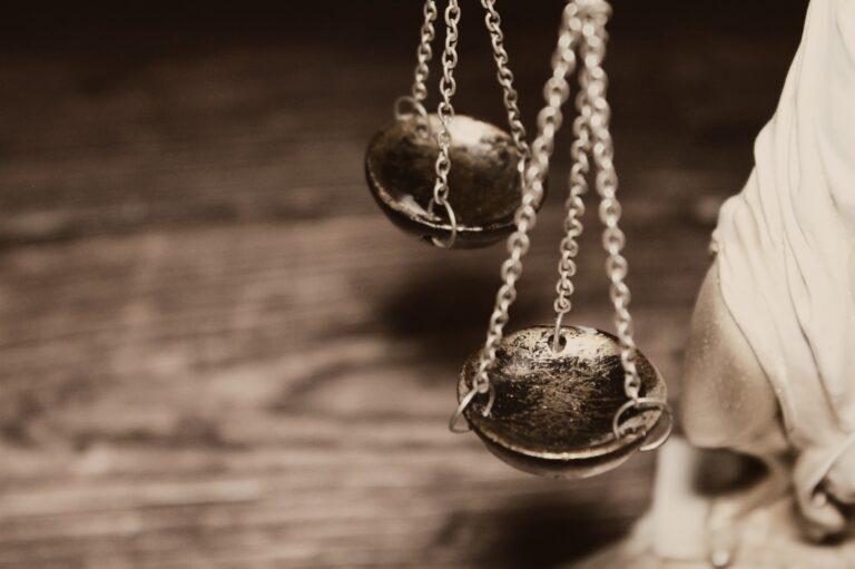 Matka, która próbowała zabić córkę, nie trafi do więzienia. Prokuratura wnioskuje o umorzenie postępowania…