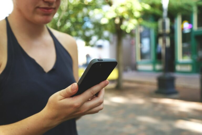 Czym jest NFC i dlaczego ta funkcja jest ci potrzebna w telefonie?