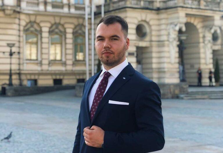 """Nowosądeczanin prezesem ogólnopolskich struktur ,,Młodych dla Wolności"""""""